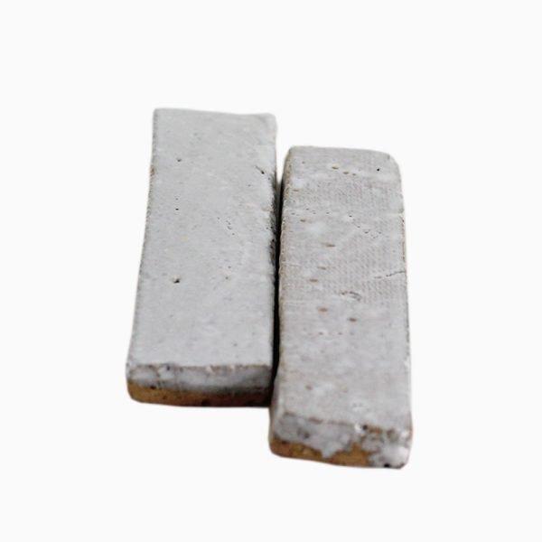 Bricks-wall-White-velvet-1